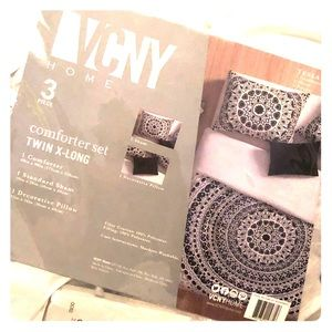 Other - VCNY Twin XL comforter
